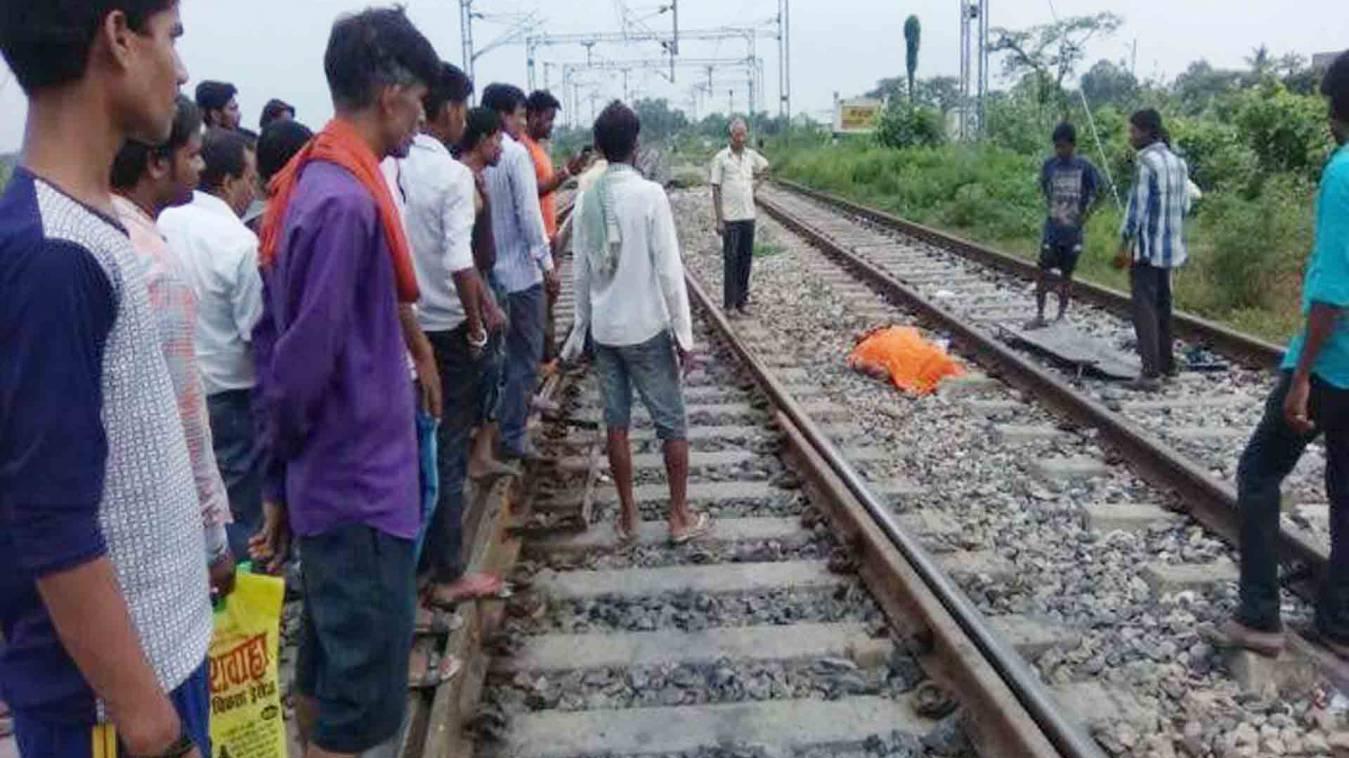 वाराणसी: तंगी से परेशान वृद्ध ने ट्रेन के सामने कूदकर की आत्महत्या