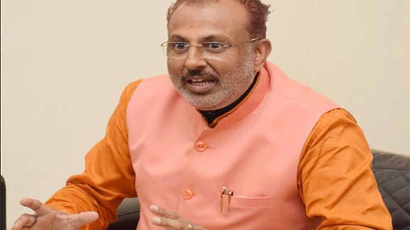 यूपी के मंत्री का विवादित बयान, कहा- 'भारत में बुर्के पर लगना चाहिए बैन, दैत्यों के वंशज पहनते हैं बुर्का'