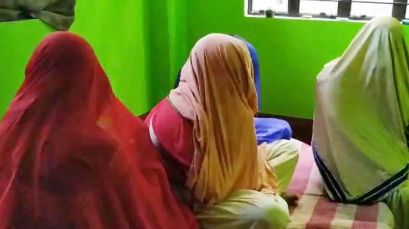 वाराणसी: देवभूमि काशी हो रही शर्मसार, पुलिस की बेरुखी सेचल रहा देहव्यापार