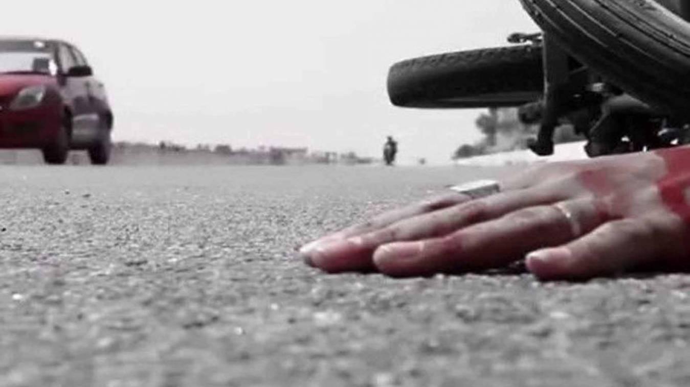 वाराणसी: राजातालाब में सड़क हादसे में अधिवक्ता की मौत, हाइवे निर्माण में लापरवाही का आरोप