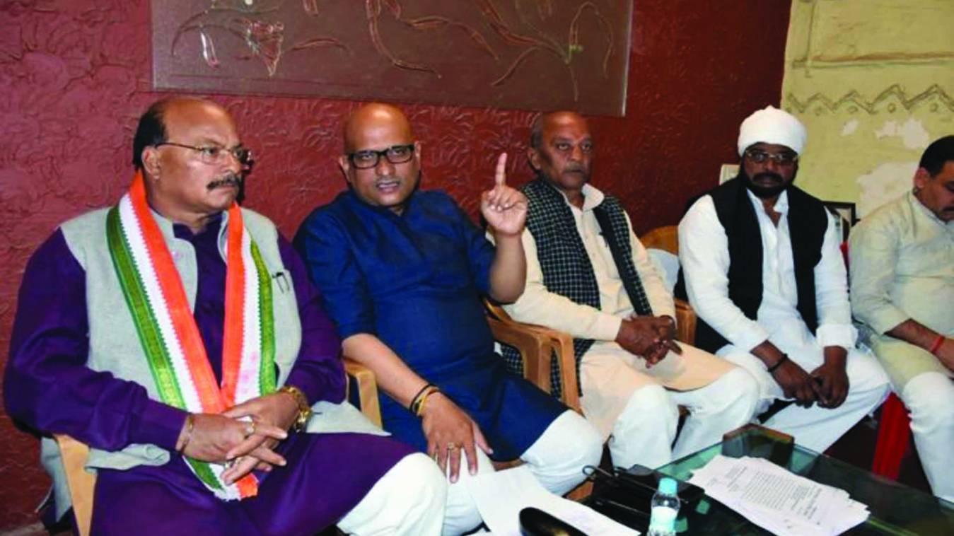 वाराणसी: व्यापारी अर्थिक तंगी से त्रस्त, सरकार सौ करोड़ की मूर्ति बनाकर देशभक्त: अजय राय