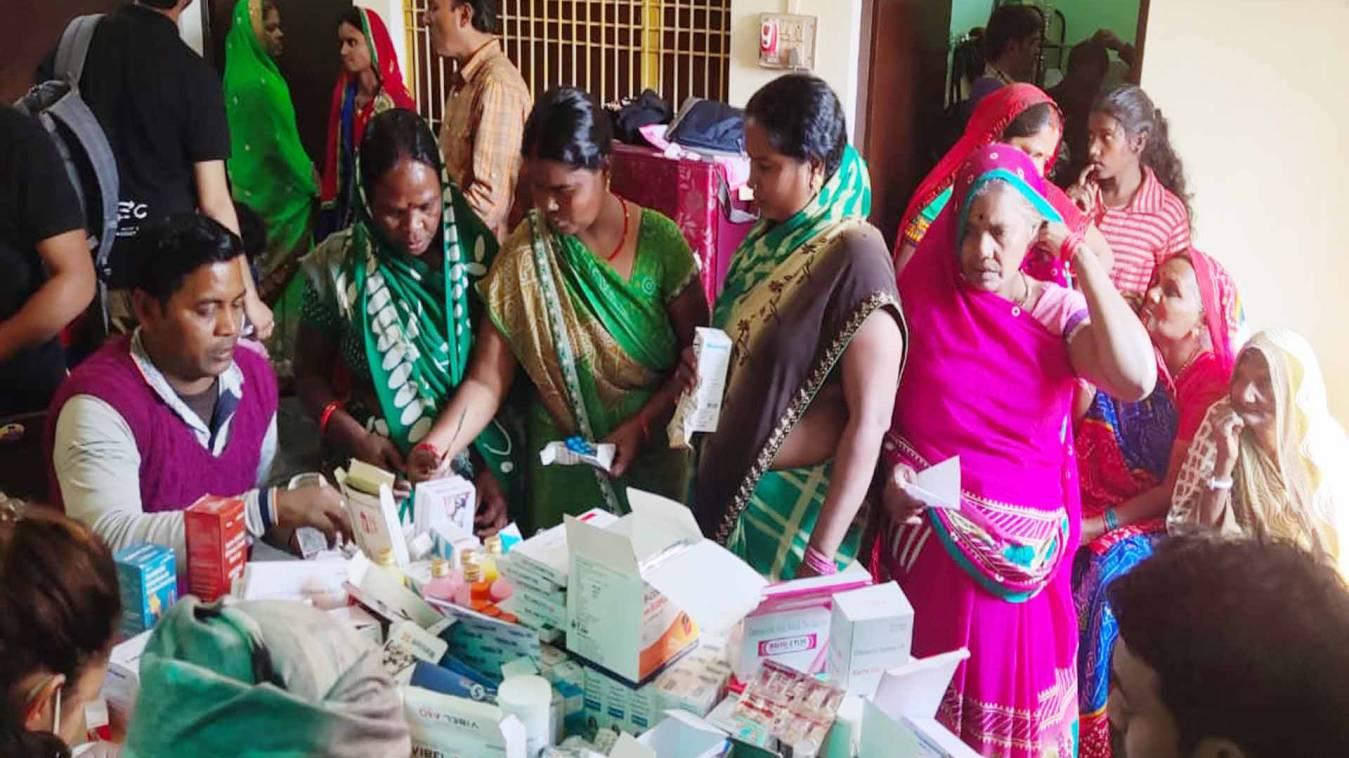 वाराणसी: परिवार स्वास्थ्य एवं पोषण परामर्श केन्द्र का शुभारंभ, 350 मरीजों का हुआ स्वास्थ्य परिक्षण