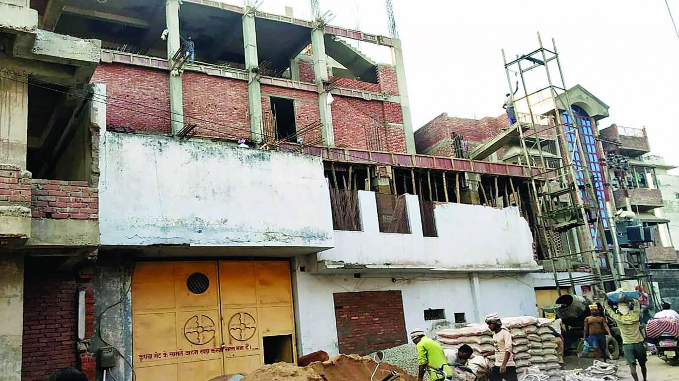 वाराणसी: हाईकोर्ट पर भारी विडीएकर्मियों की भूख, एचएफएल क्षेत्र में हो रहा अवैध निर्माण