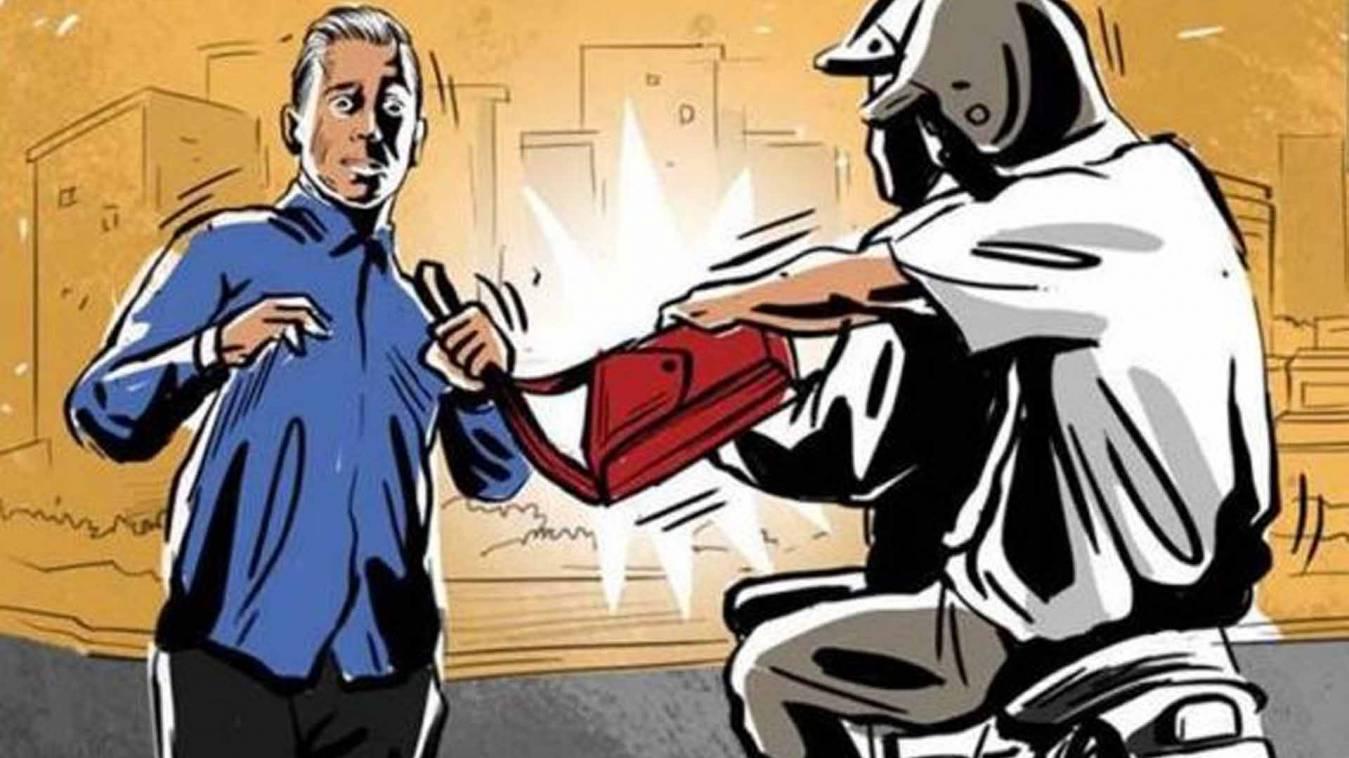 वाराणसी: हौसला बुलंद बदमाशों ने मारपीट कर किया व्यापारी को लूटने का प्रयास