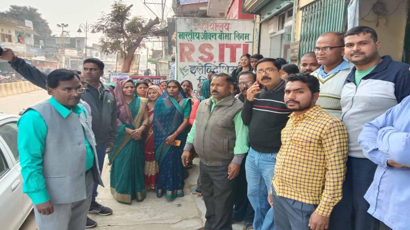 वाराणसी: मीरापुर बसही उद्योग व्यापार मंडलका होली मिलन 22 को,लगेगा कवियों का जमावड़ा