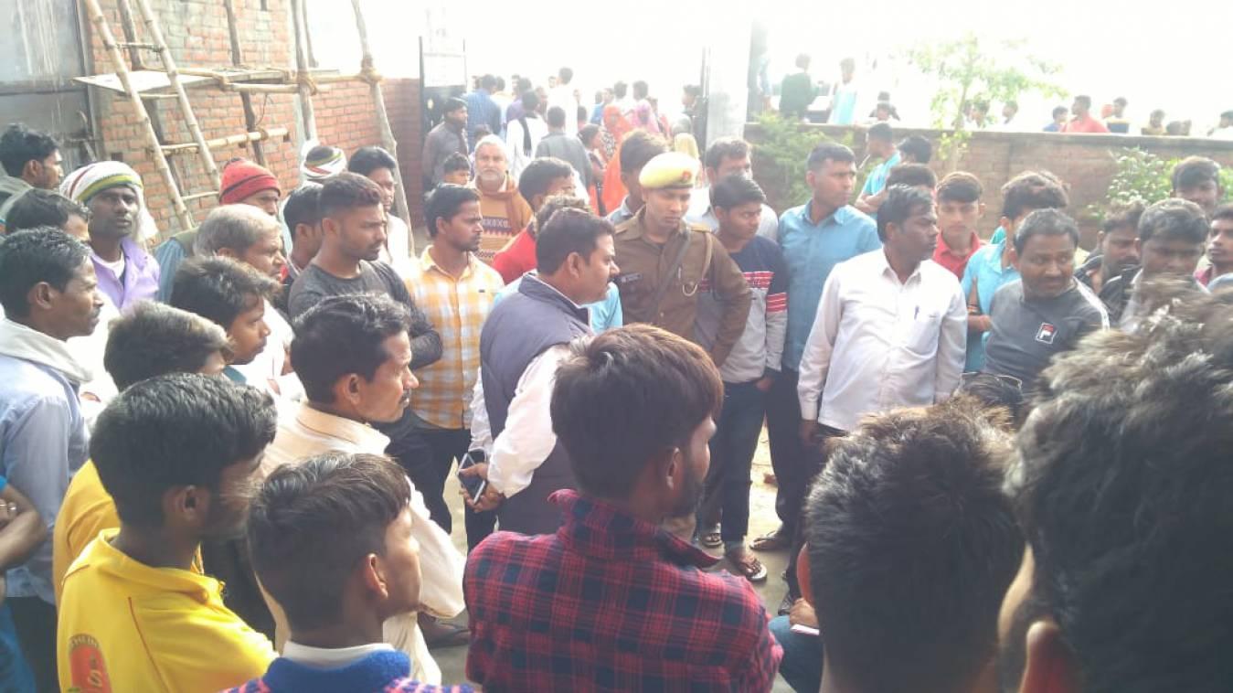 वाराणसी: बड़ागांव में संदिग्ध परिस्थितियों में मिली युवक की लाश, क्षेत्र में सनसनी