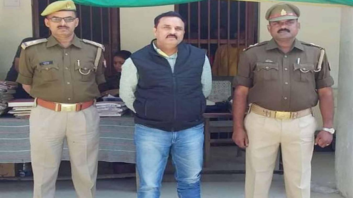 वाराणसी: ट्रकों के फर्जी पंजीयन का आरोपी बाबू गिरफ्तार, एसआइटी की पूछताछ चालू
