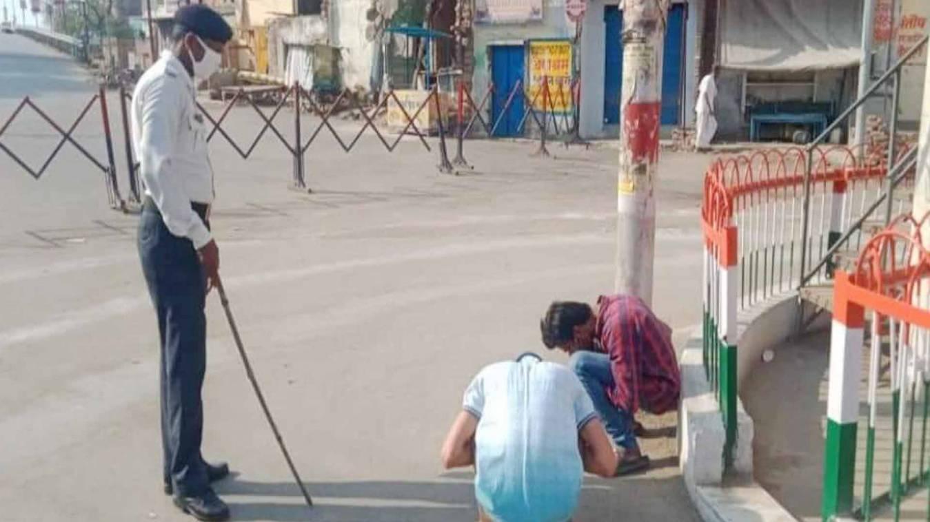 घर से बाहर निकलने पर बनारस में 49 गिरफ्तार