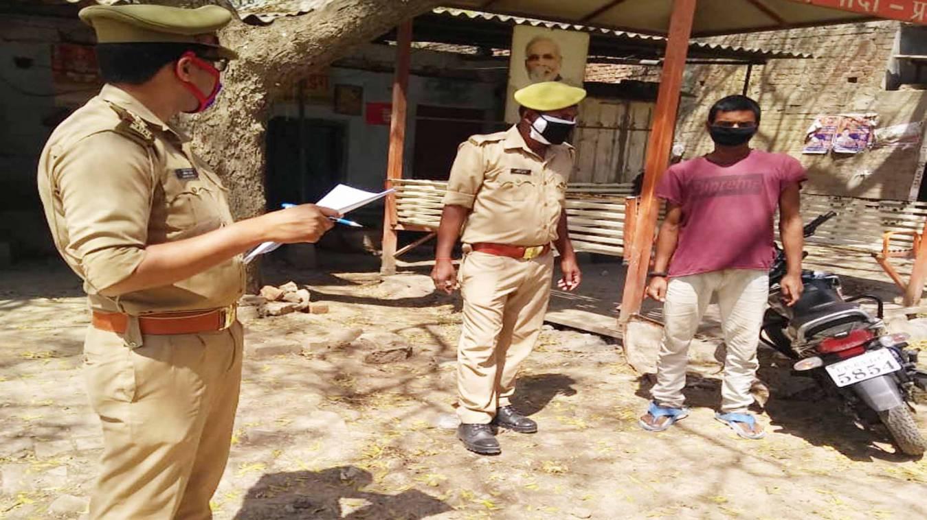 वाराणसी: लॉकडाउन बढ़ते ही सतर्कता से पालन कराने में जुटी रोहनिया पुलिस