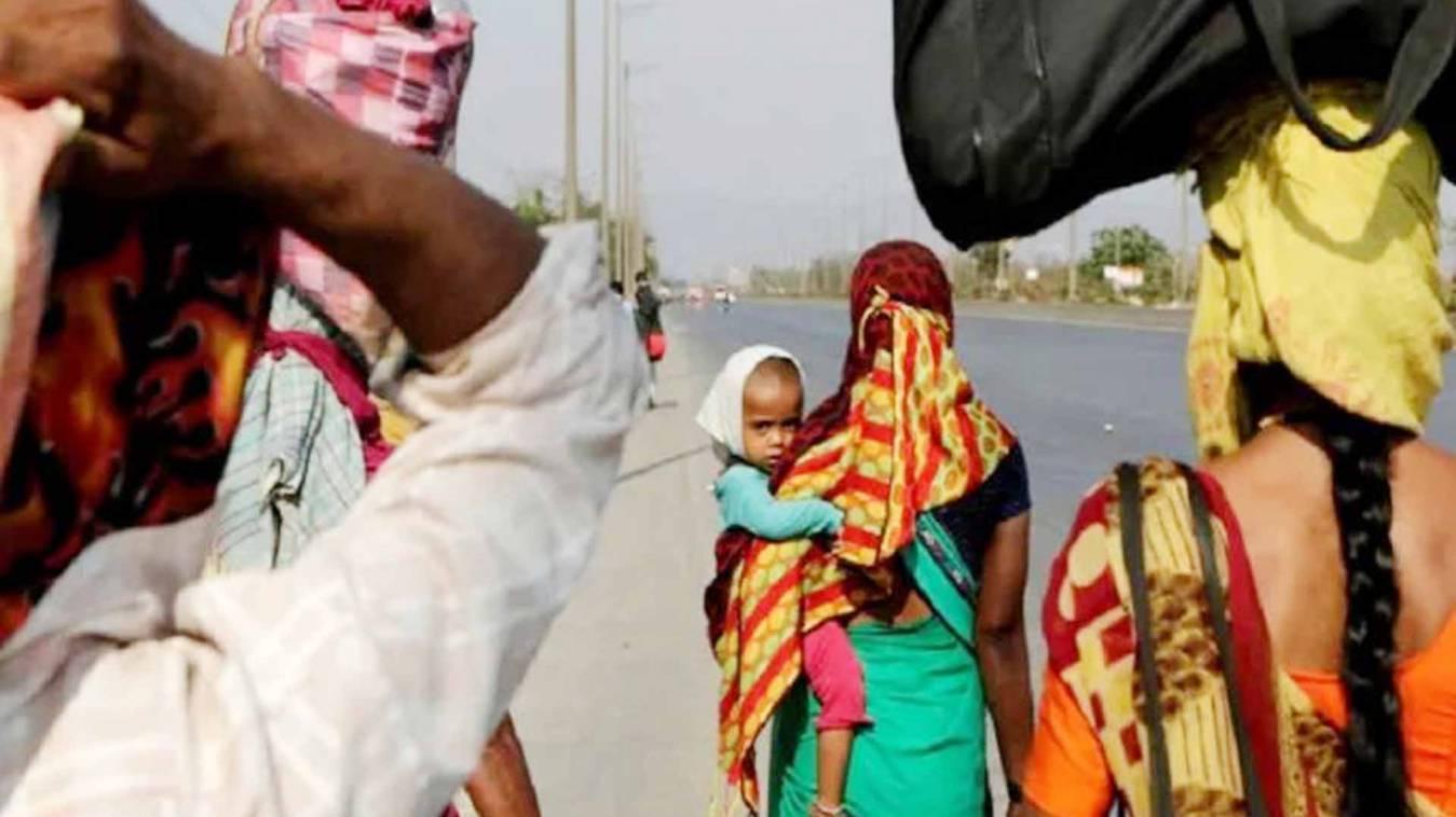 कोरोना से जीती लेकिन भूख से हारी, 100 किलोमीटर पैदल चली 12 साल की बच्ची, रास्ते में तोड़ा दम