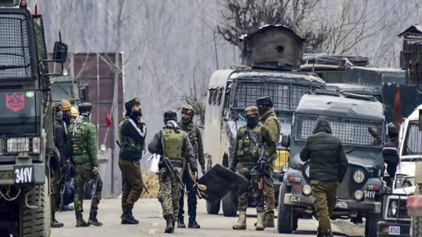 बड़ी खबर: पुलवामा में पुलिस और सुरक्षाबलों पर आतंकियों ने किया हमला, दो जवान...
