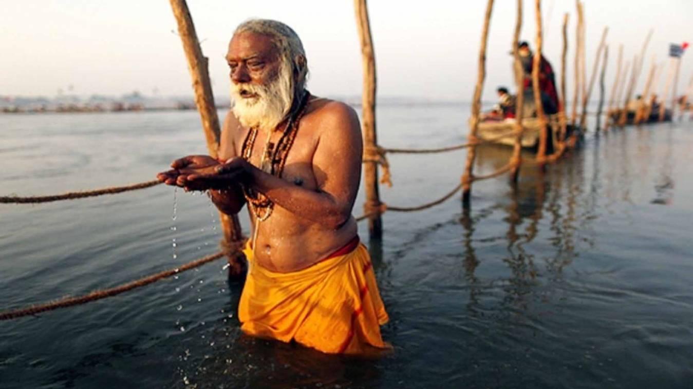 वाराणसी: गंगा स्नान पर प्रतिबंध लगाने पर शंकराचार्य ने जताया कड़ा विरोध, कहा- अविवेकपूर्ण निर्णय