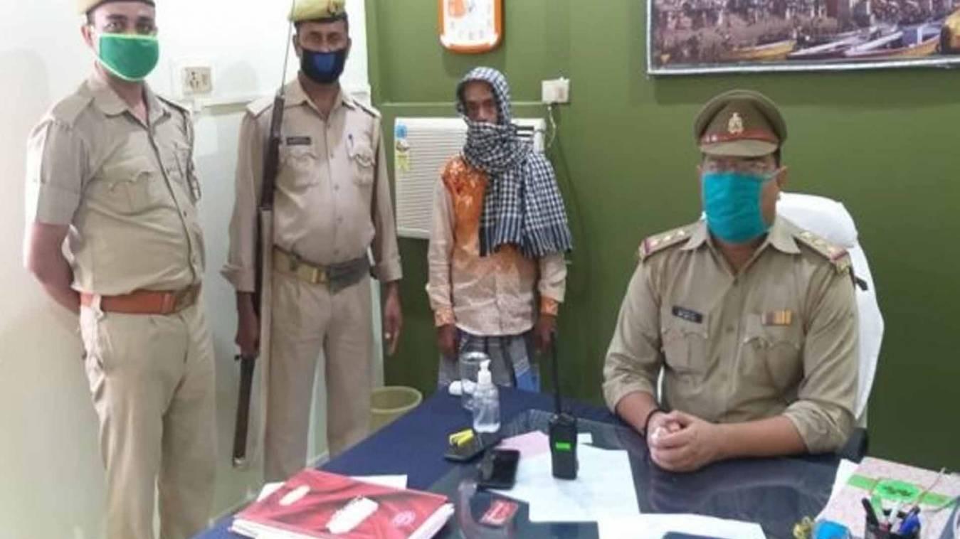 वाराणसी: गैंगेस्टर में वांछित अभियुक्त को जैतपुरा पुलिस ने गिरफ्तार कर भेजा जेल