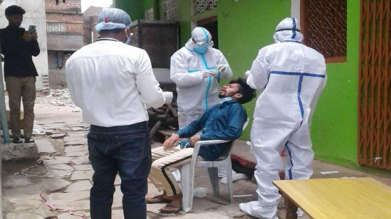 वाराणसी में कोरोना की भयावह स्थिति, शनिवार सुबह मिले 51 संक्रमित