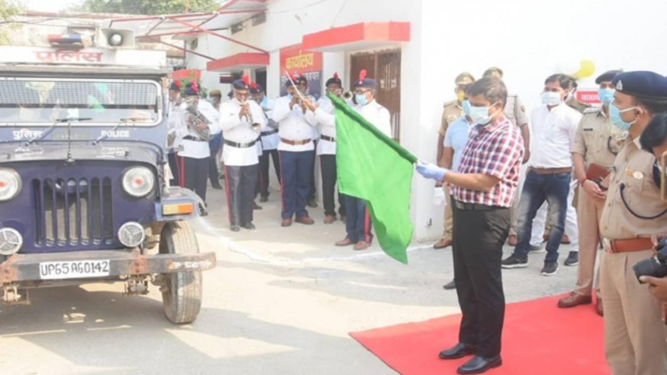 वाराणसी: यातायात माह का एसएसपी ने किया शुभारंभ, कहा- नियमों का पालन करे Public