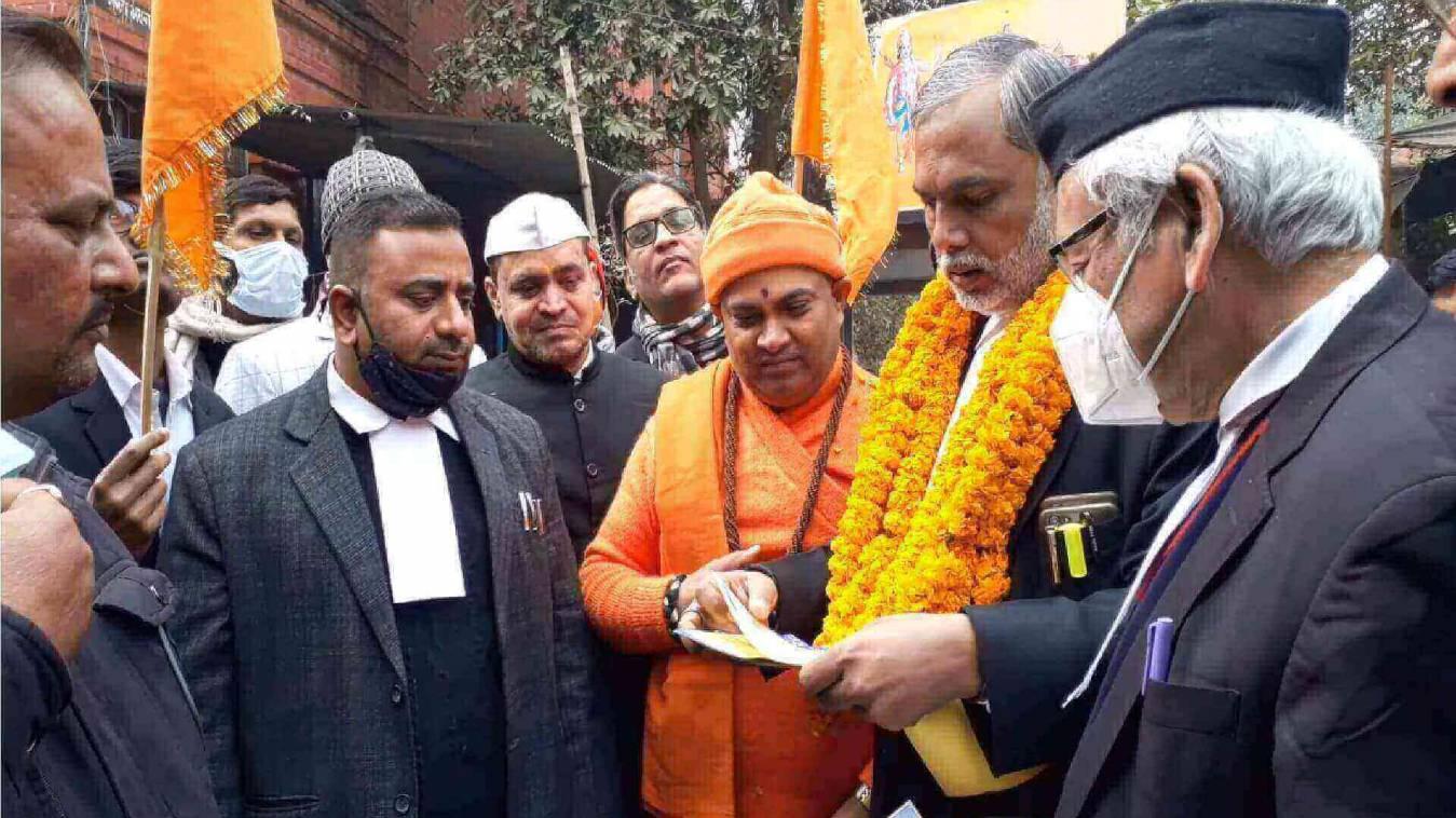 राम जन्मभूमि के निर्माण में वाराणसी के अधिवक्ताओं ने दिया दान