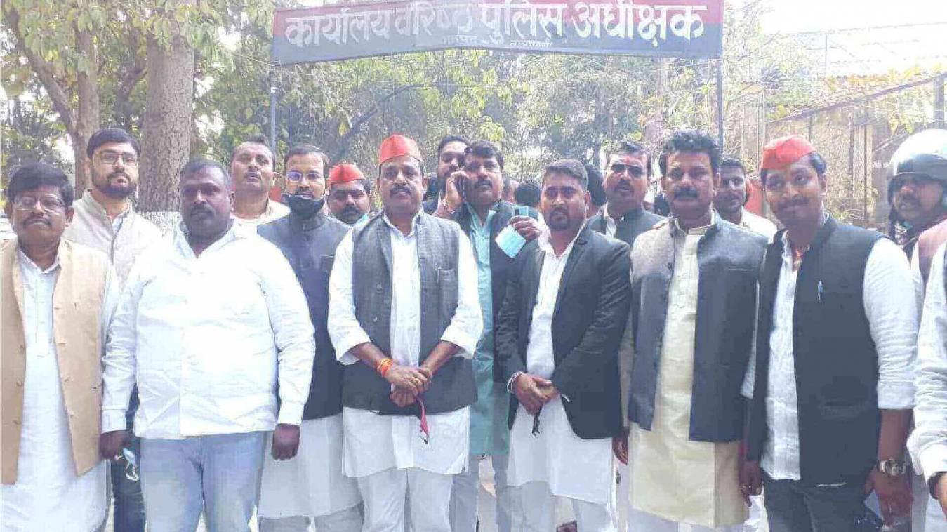 सपा कार्यकर्ताओं ने SSP से की मुलाकात राहुल सोनकर पर हिस्ट्रीशीट की कार्यवाही से हैं नाराज़