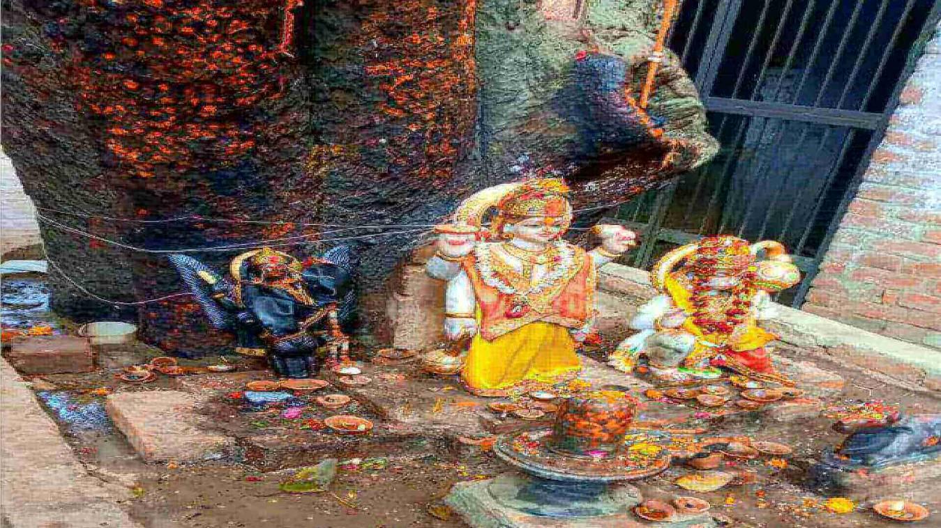 शनिदेव की मूर्ति क्षतिग्रस्त होने से ग्रामीणों में आक्रोश, मुकदमा दर्ज