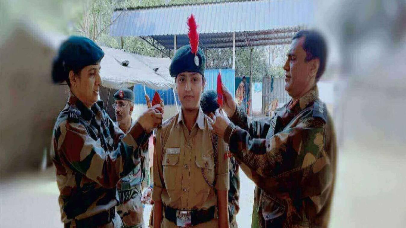 जान्हवी सिंह को एनसीसी में मिला पहला रैंक व मेडल