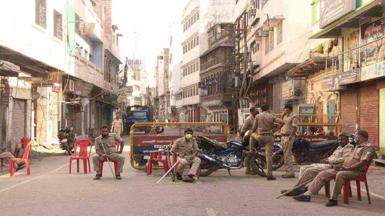 वाराणसी: कोरोना कर्फ्यू दौरान क्या है छूट और पाबंदी