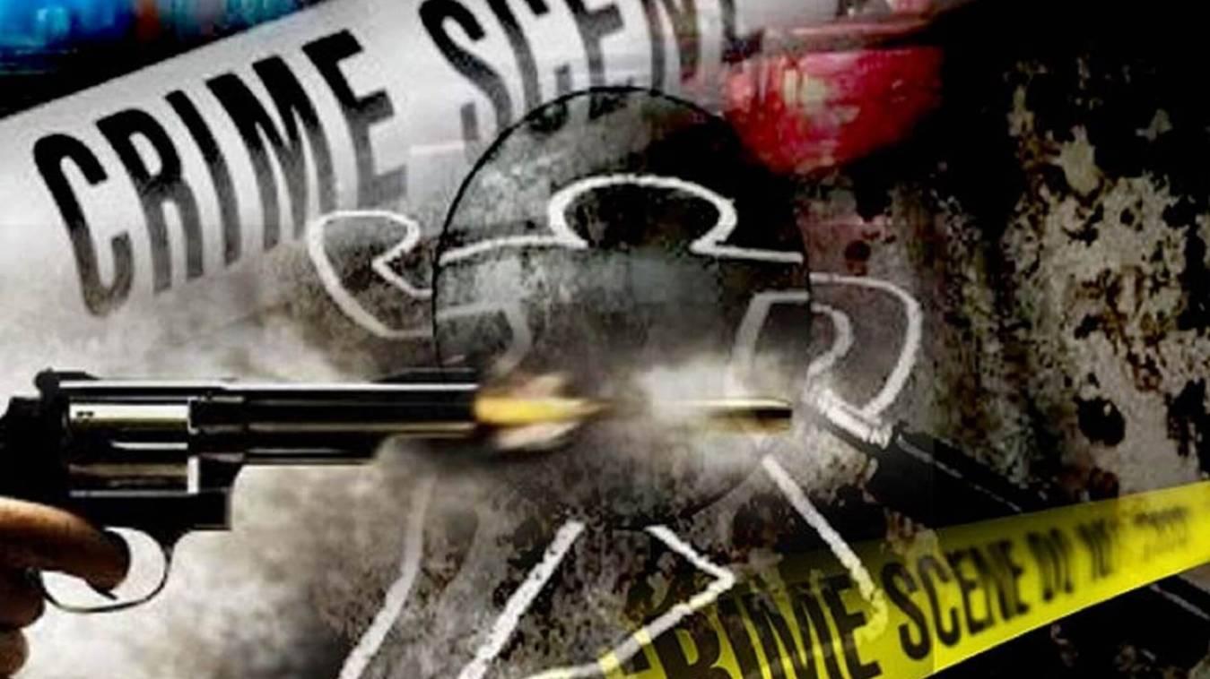 अखिलेश की सुरक्षा में तैनात इंस्पेक्टर ने युवती पर चलाई गोली
