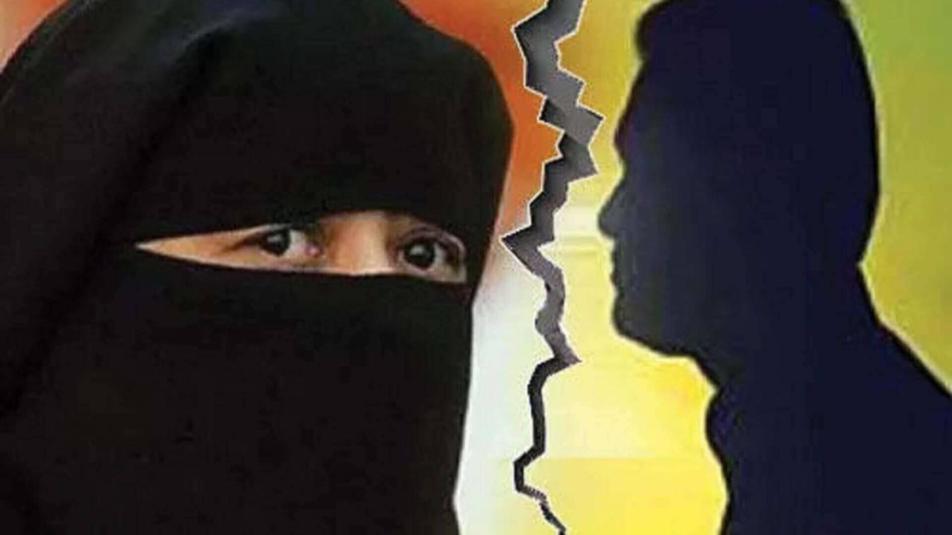 शौहर ने पिटाई के बाद तलाक देकर महिला को घर से निकाला