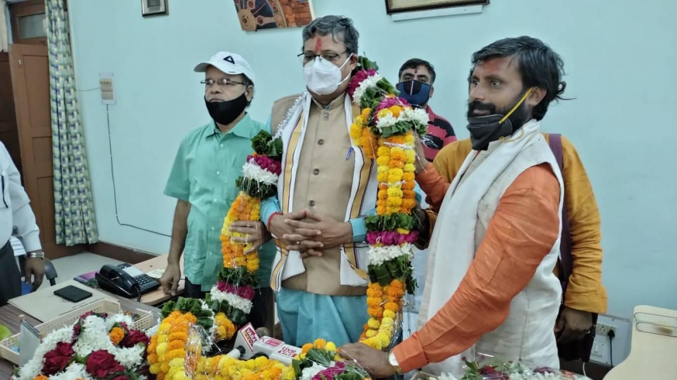 हरेराम त्रिपाठी  के हाथ मे सम्पूर्णानंद संस्कृत विवि की कमान