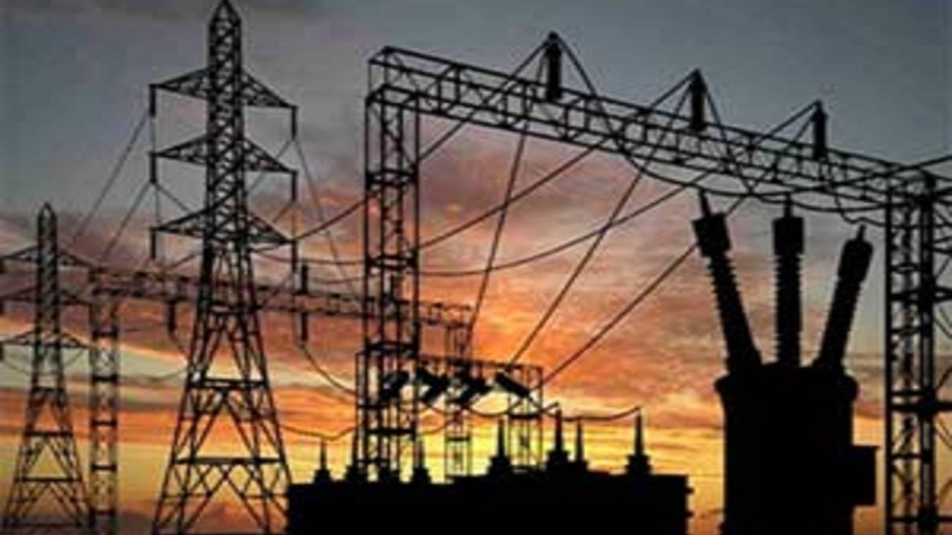 फीडर में तकनीकी खराबी से हजारों घरों की बिजली गुल