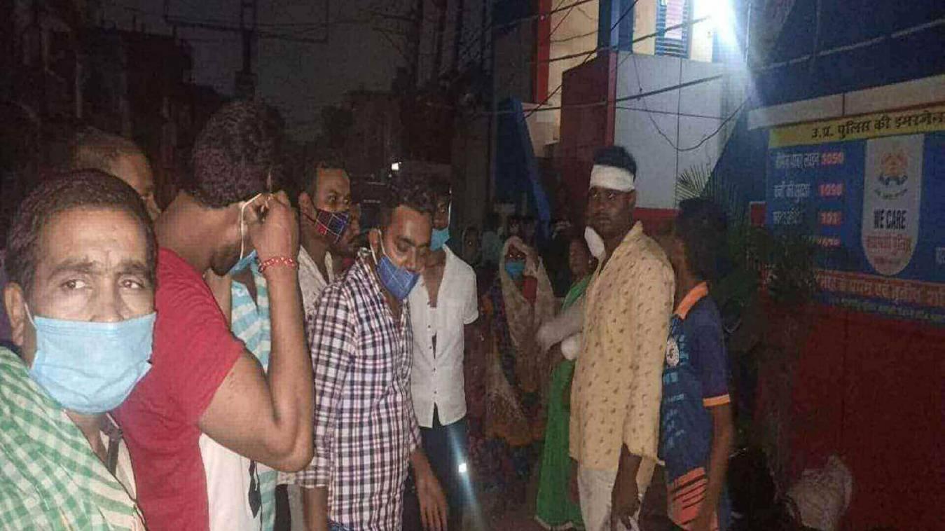 दबंगई : गाड़ी खड़ी करने से मना किया तो घर में घुसकर पीटा