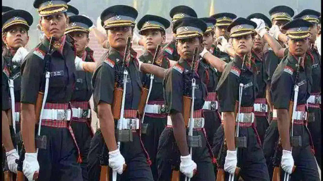 महिलाएं भी अब दे सकेंगी NDA की परीक्षा, SC की सेना को फटकार