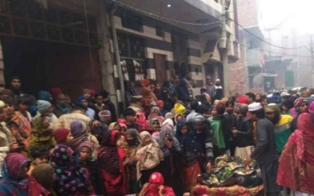 दर्दनाक: घर के फ्रिज में उतरा करंट, 5 बच्चों समेत 6 लोगों की मौत