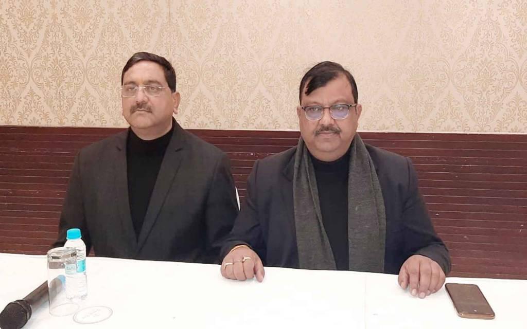 वाराणसी: केमिस्ट एवं ड्रगिस्ट फेडरेशन के प्रदेश महामंत्री पर करोड़ों के गबन का आरोप, मचा हड़कंप