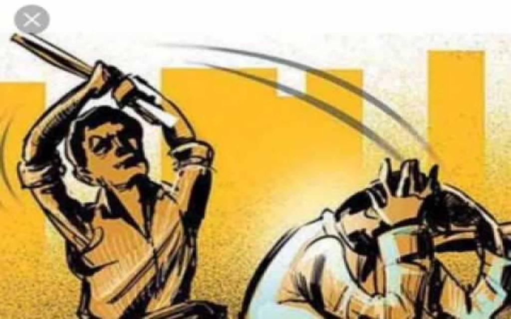 वाराणसी: शराब पीने से रोकने पर एक दर्जन युवकों ने ढाबा संचालक को निर्ममता से पीटा